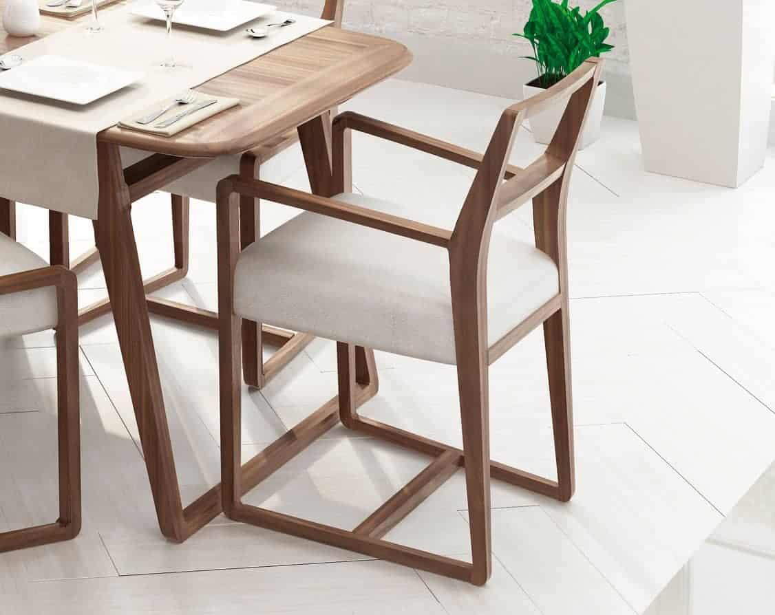 Silla de comedor de madera